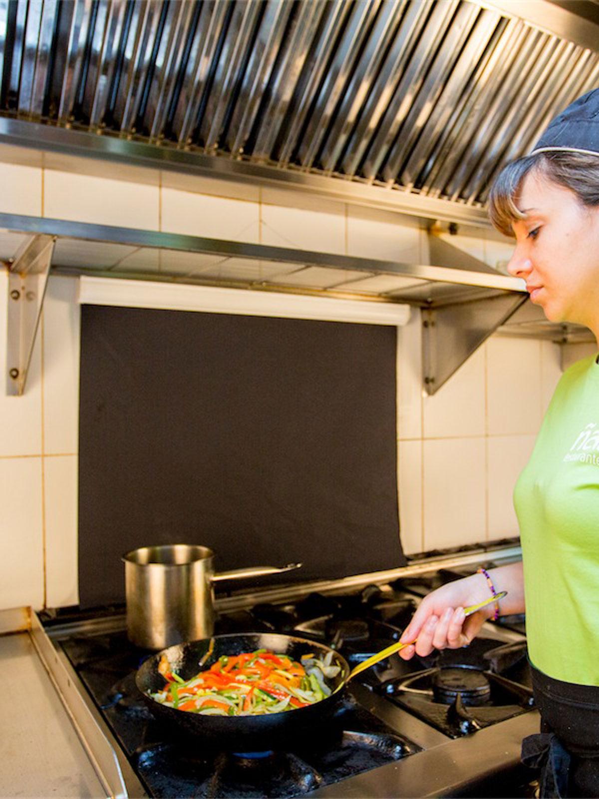 Protector contra salpicadoras cocina protesalpic menajeando for Menaje cocina online